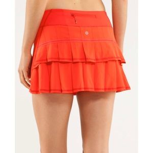 Lululemon Pace Setter skort in love red